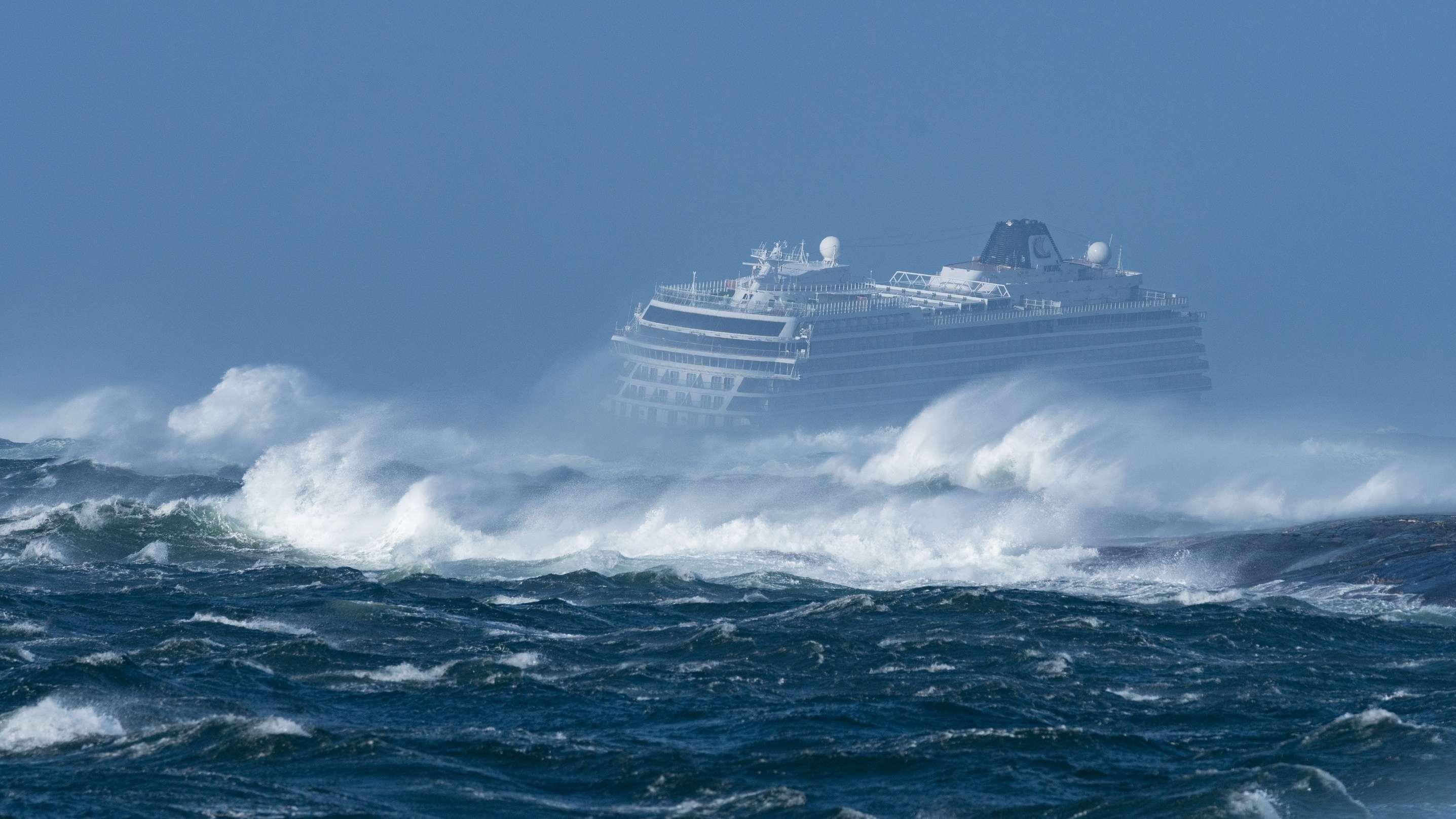 Kreuzfahrtschiff Viking Sky in Seenot