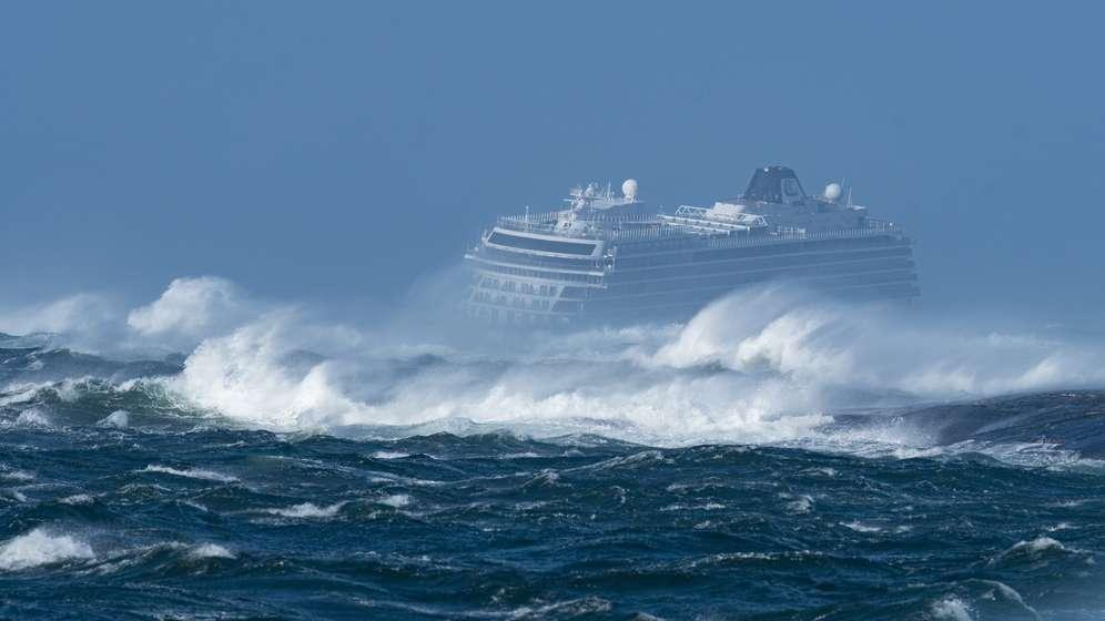 Kreuzfahrtschiff Viking Sky in Seenot   Bild:News5