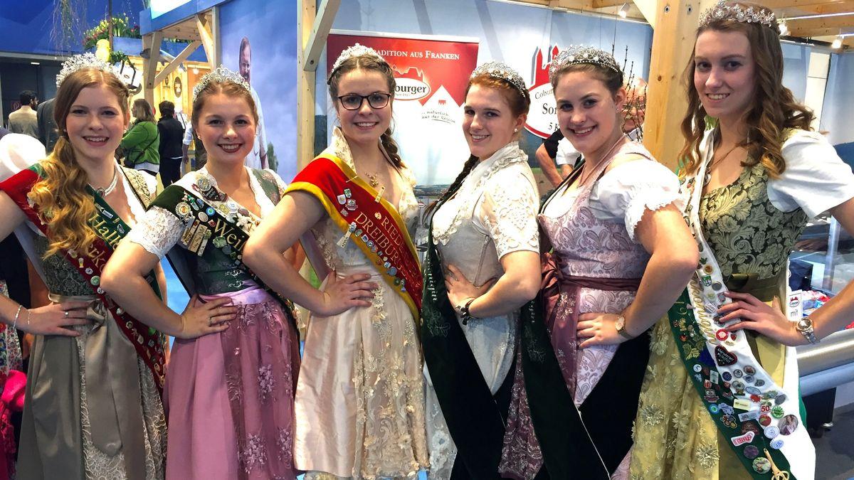Bayerische Produkt-Königinnen auf der Grünen Woche