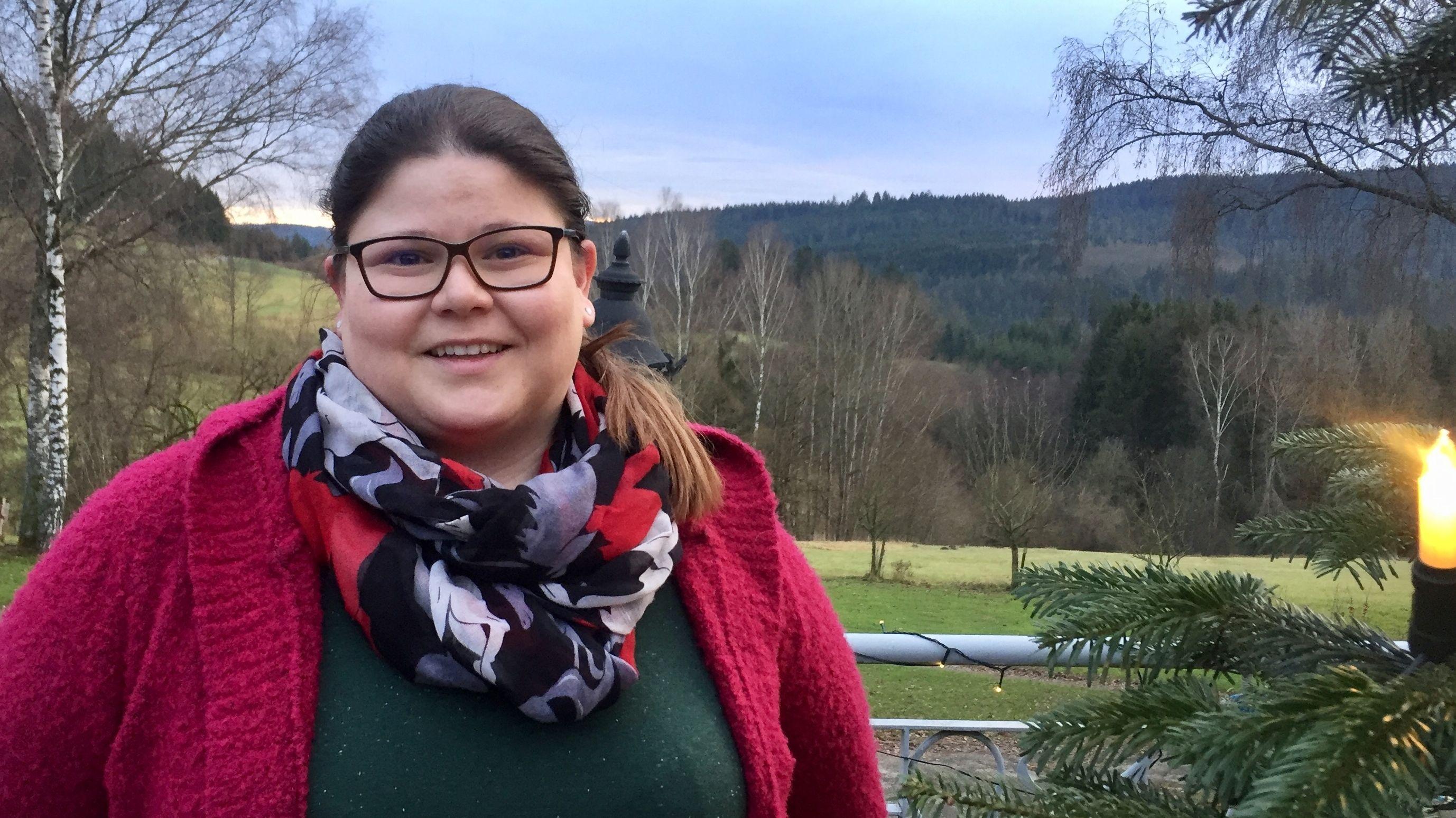 """Elisabeth Fritz, die im idyllischen Asbach im Bayerischen Wald das """"Hotel der Bäume"""" betreibt"""
