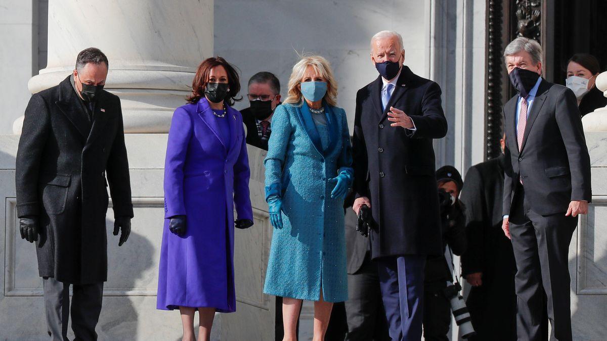 Joe Biden und seine Frau Jill sowie Kamala Harris und ihr Ehemann Doug Emhoff bei der Ankunft am Kaptiol (v.r.n.l.).