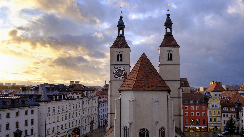 In der Regensburger Neupfarrkirche feiert Regionalbischof Klaus Stiegler  am Reformationstag seinen ersten Gottesdienst im neuen Amt.