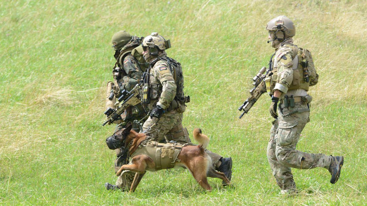 Soldaten des Kommandos Spezialkräfte (KSK) während einer Übung (Archivbild)