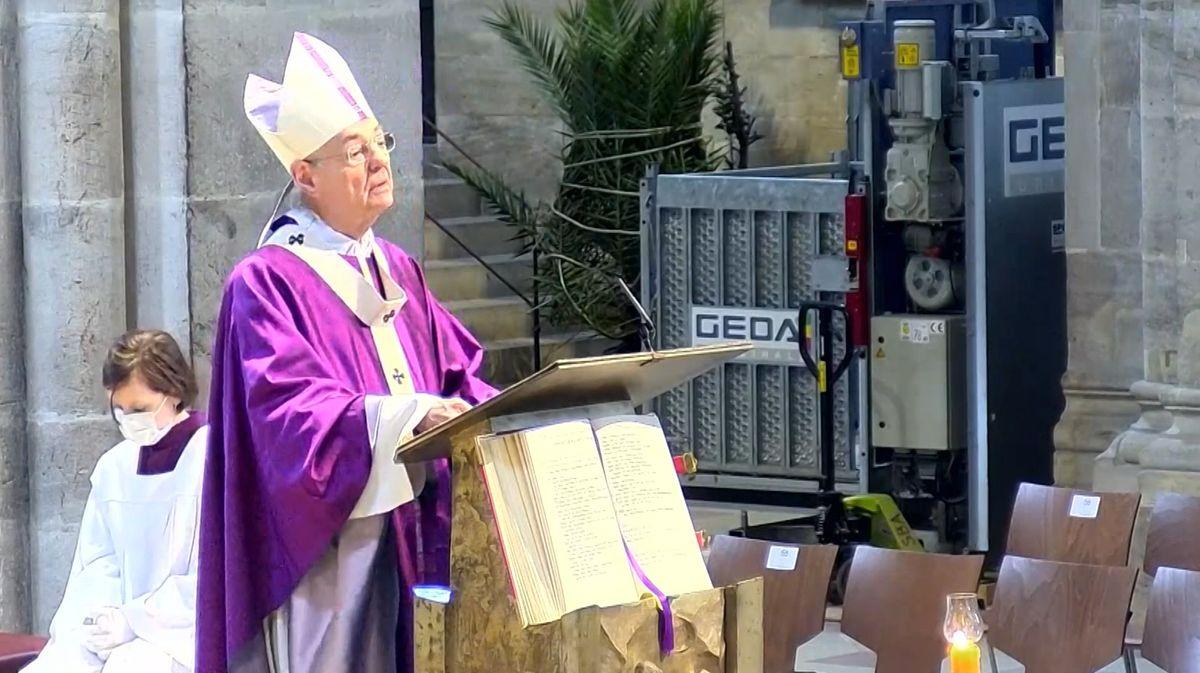 Bambergs Erzbischof Ludwig Schick bei seiner Sonntagspredigt.