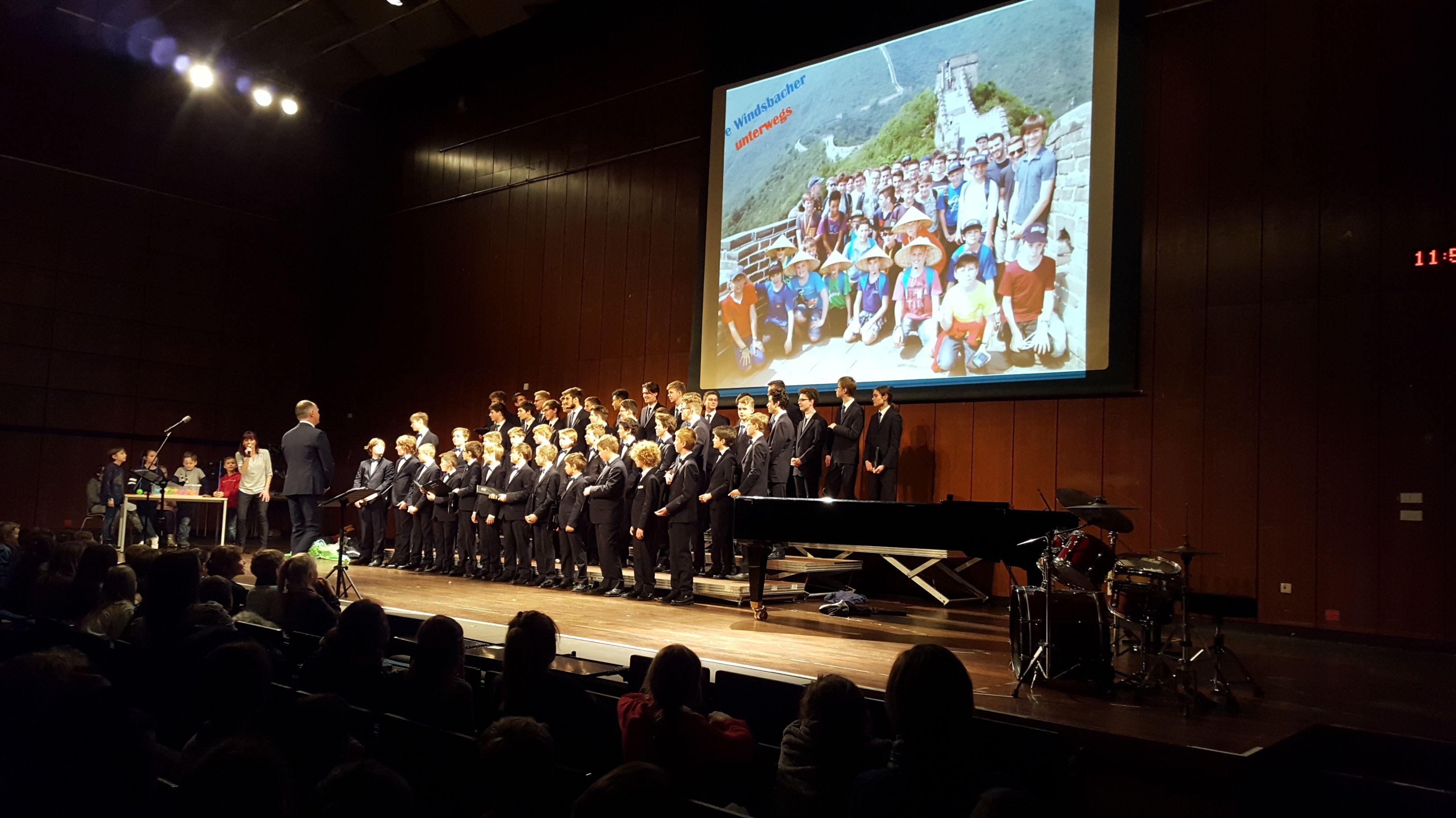 Windsbacher Knabenchor auf der Bühne