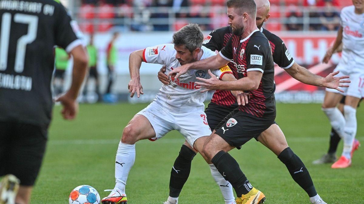 Spielszene FC Ingolstadt - Holstein Kiel