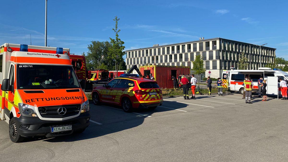 Rettungsdienst und Feuerwehr bei der großangelegten Suche