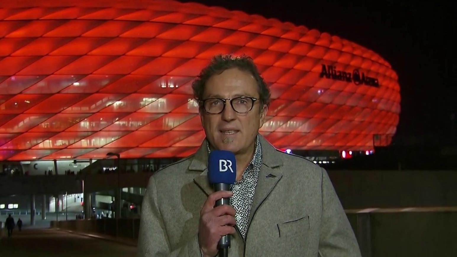 BR-Reporter Thomas Klinger vor der Allianz Arena