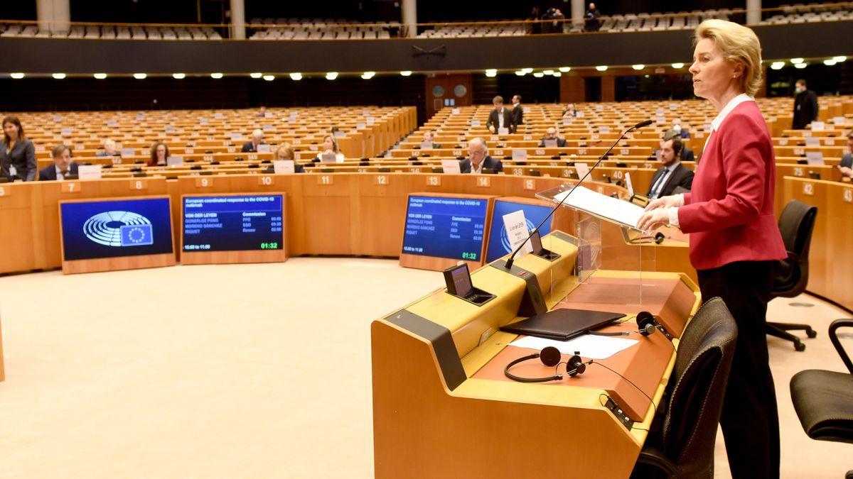 Kommissionspräsidentin Ursula vonder Leyen im Europäischen Parlament