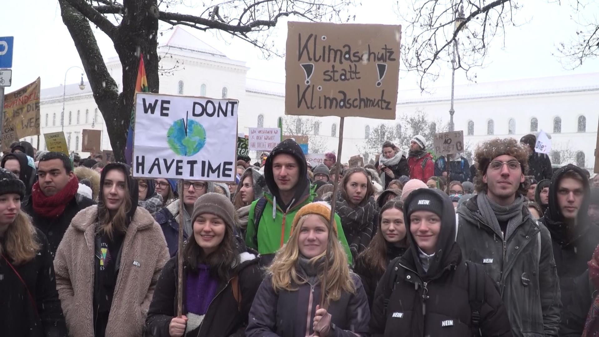 Schüler demonstrieren fürs Klima