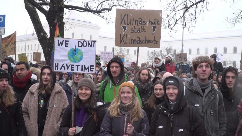 Schüler demonstrieren fürs Klima | Bild:BR