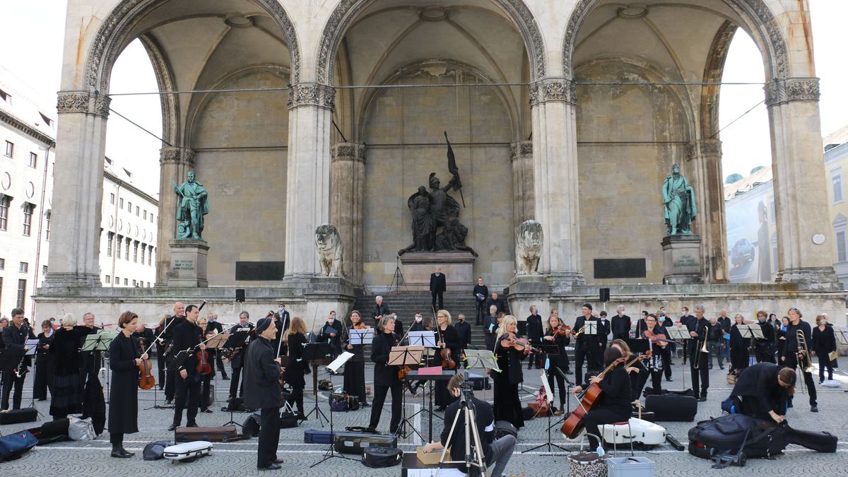 Musiker vor der Feldherrnhalle in München