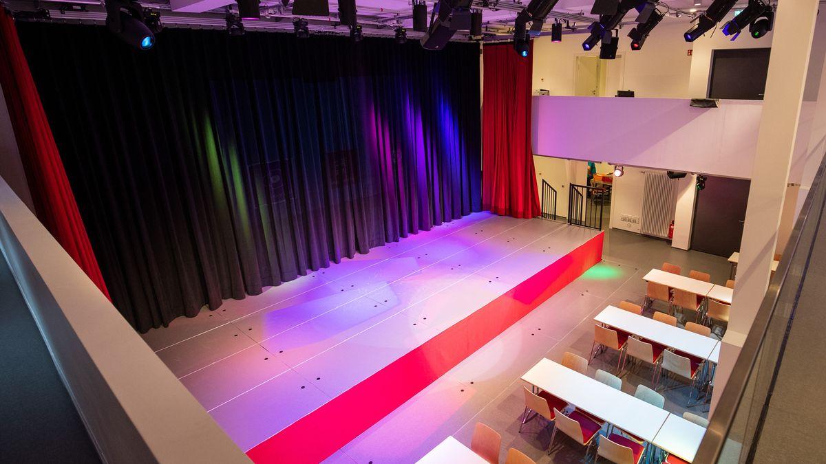 Bühne in der Deutschen Fastnachtakademie in Kitzingen