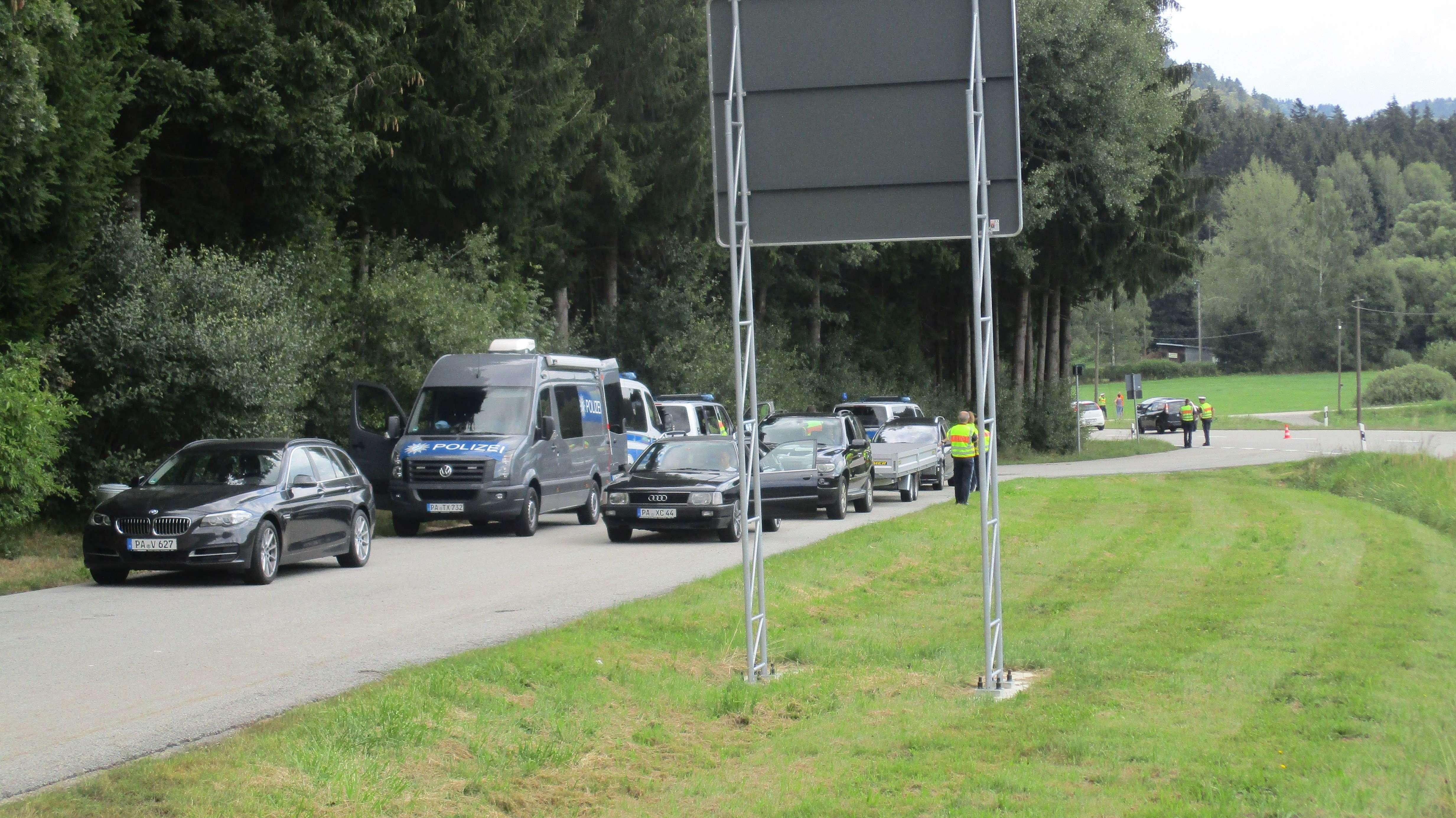 Beamte der Grenzpolizei Passau im Einsatz.
