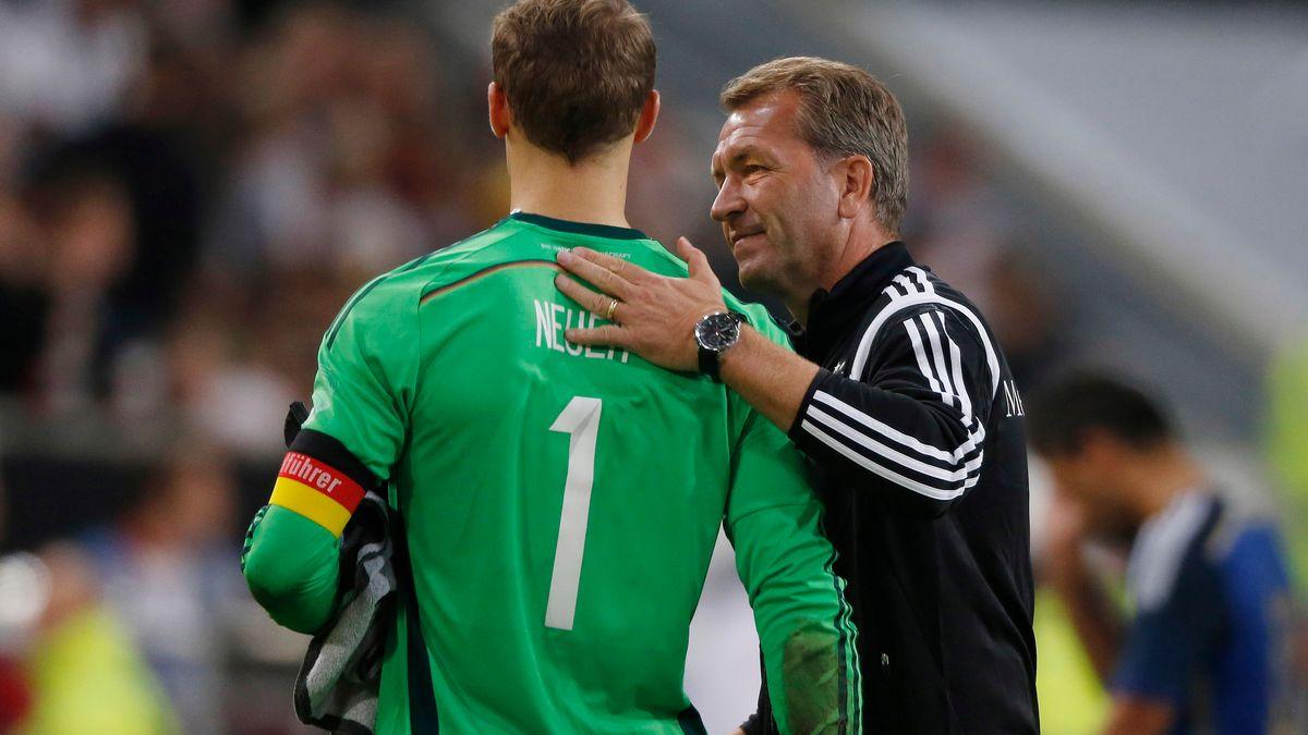 Neuer mit Torwarttrainer Andreas Köpke