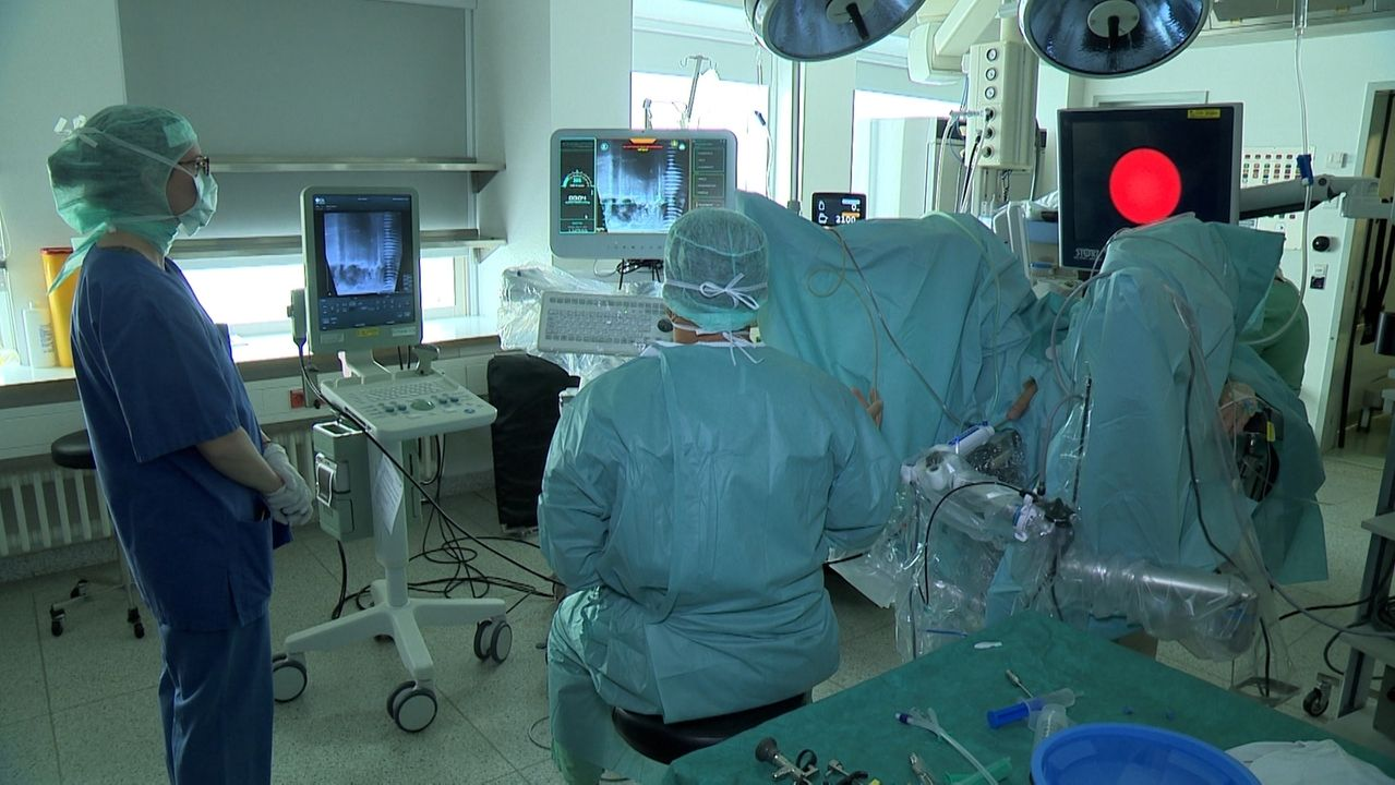 Ärzte-Team bei OP