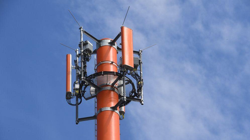 Bundesregierung will Mobilfunklöcher schließen  | Bild:dpa-Bildfunk/Stefan Sauer