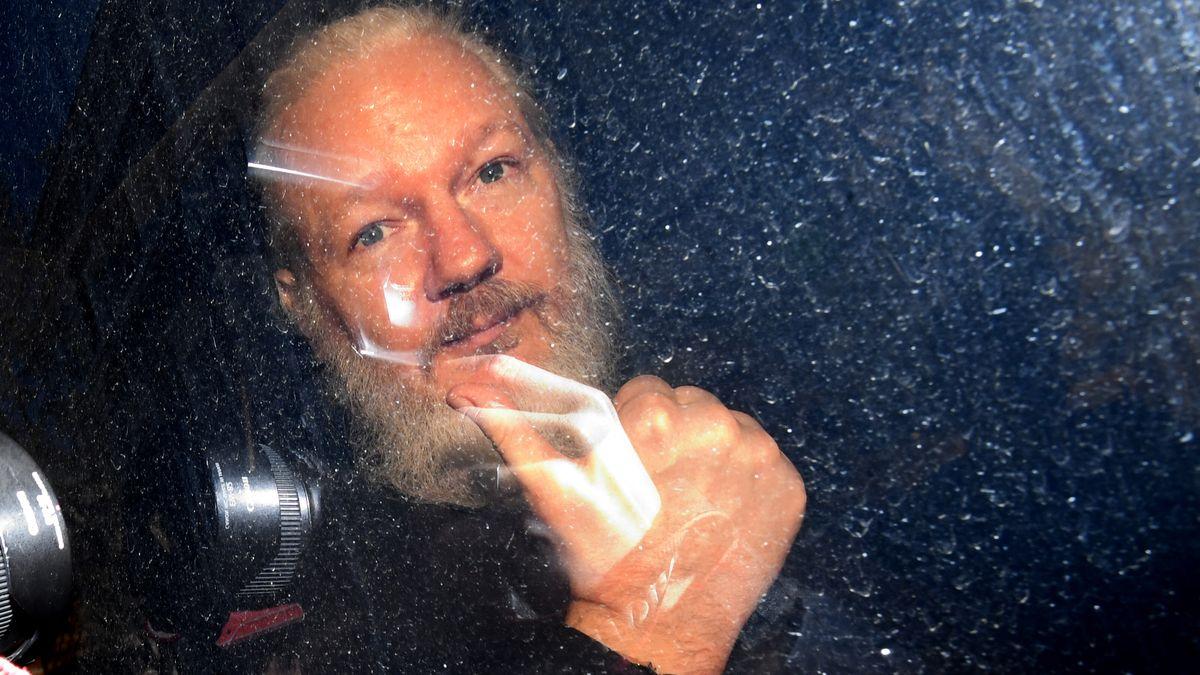Julian Assange bei seiner Auslieferung im April 2019.