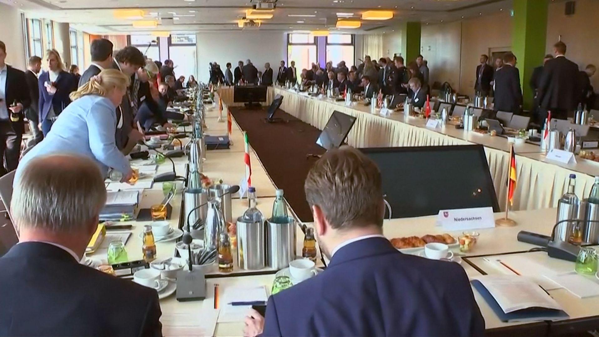 Die Innenminister von Bund und Ländern wollen, dass Waffenverbotszonen leichter eingerichtet werden können.