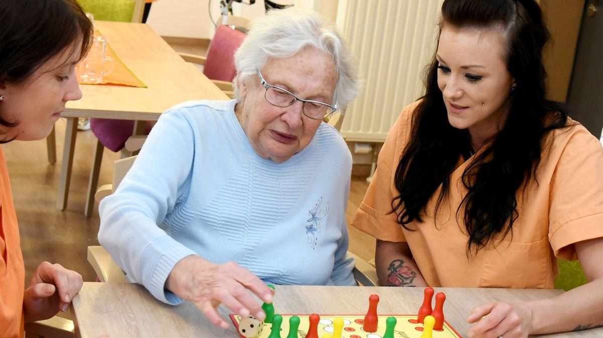 20.000 neue Stellen in Pflegeheimen plant Gesundheitsminister Spahn.
