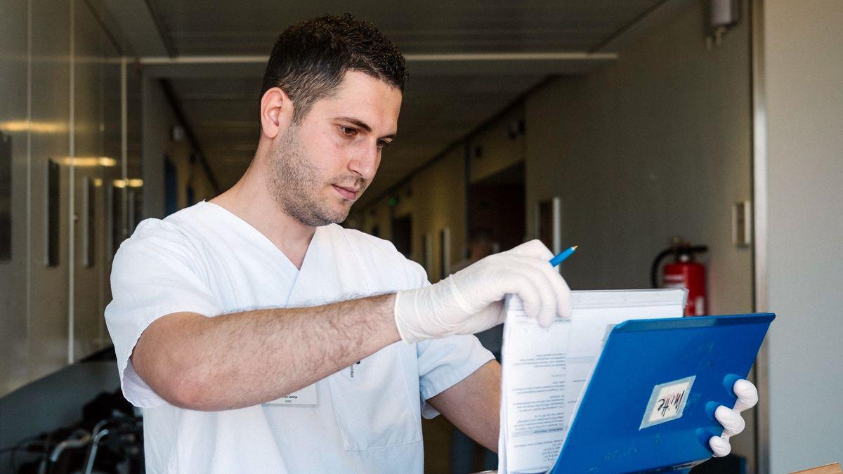 Albanischer Krankenpfleger in der Charité