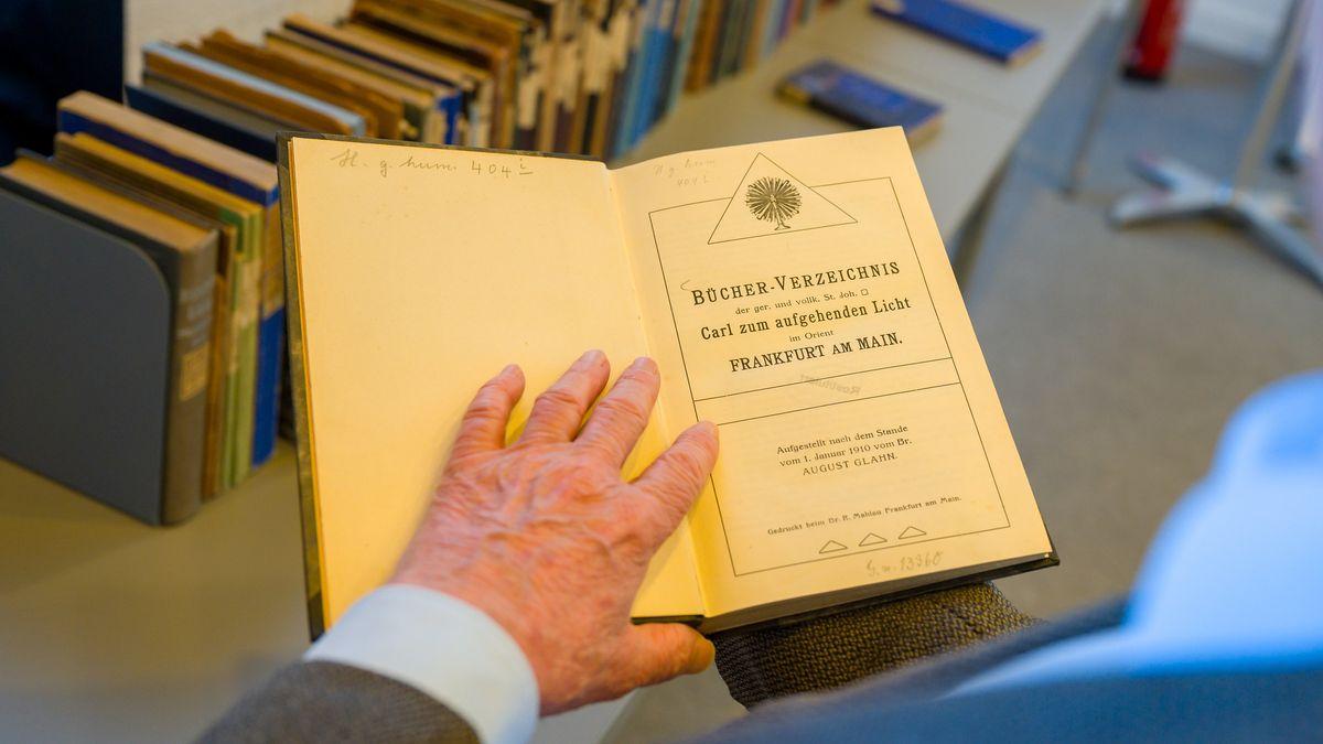 Restitution von 203 Bänden an das Deutsche Freimaurermuseum