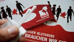 Im Kampf gegen Leukämie - Knochenmarkspender gesucht | Bild:picture-alliance/dpa