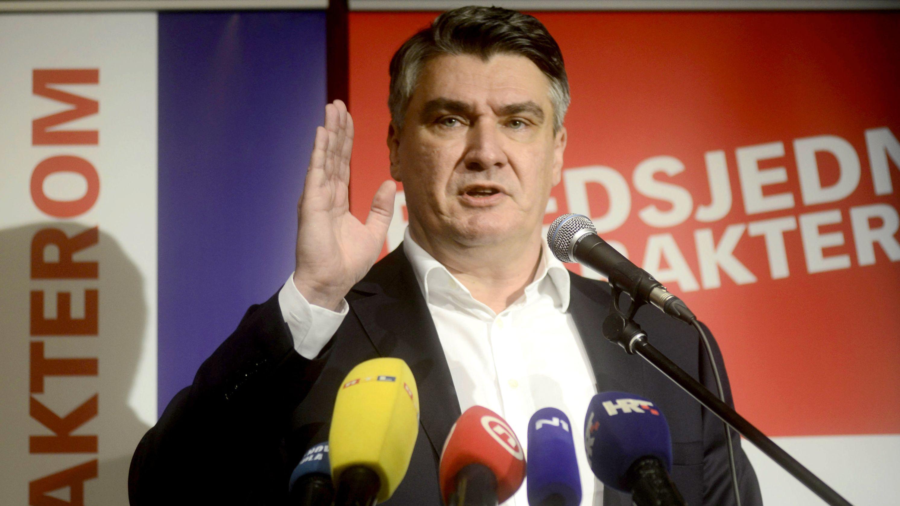Zoran Milanovic (SDP), kroatischer Präsidentschaftskandidat und ehemaliger Premierminister von Kroatien bei einer Wahlkundgebung.