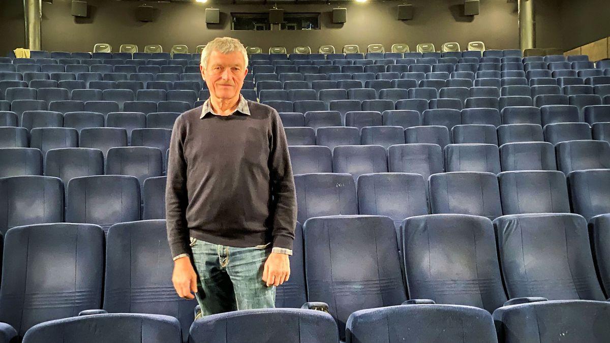 Kino-Inhaber Wolfram Weber in einem seiner Kino-Säle