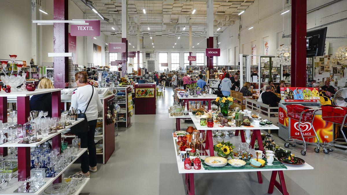Harnosand, Sweden The Erikshjalpen second hand store.