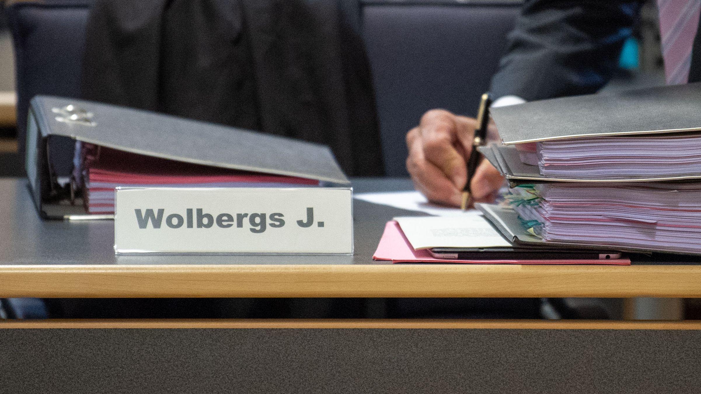 Eine umstrittene Unterschrift ist heute Thema im Wolbergs-Prozess: Es geht um eine Baugenehmigung aus dem Jahr 2016.