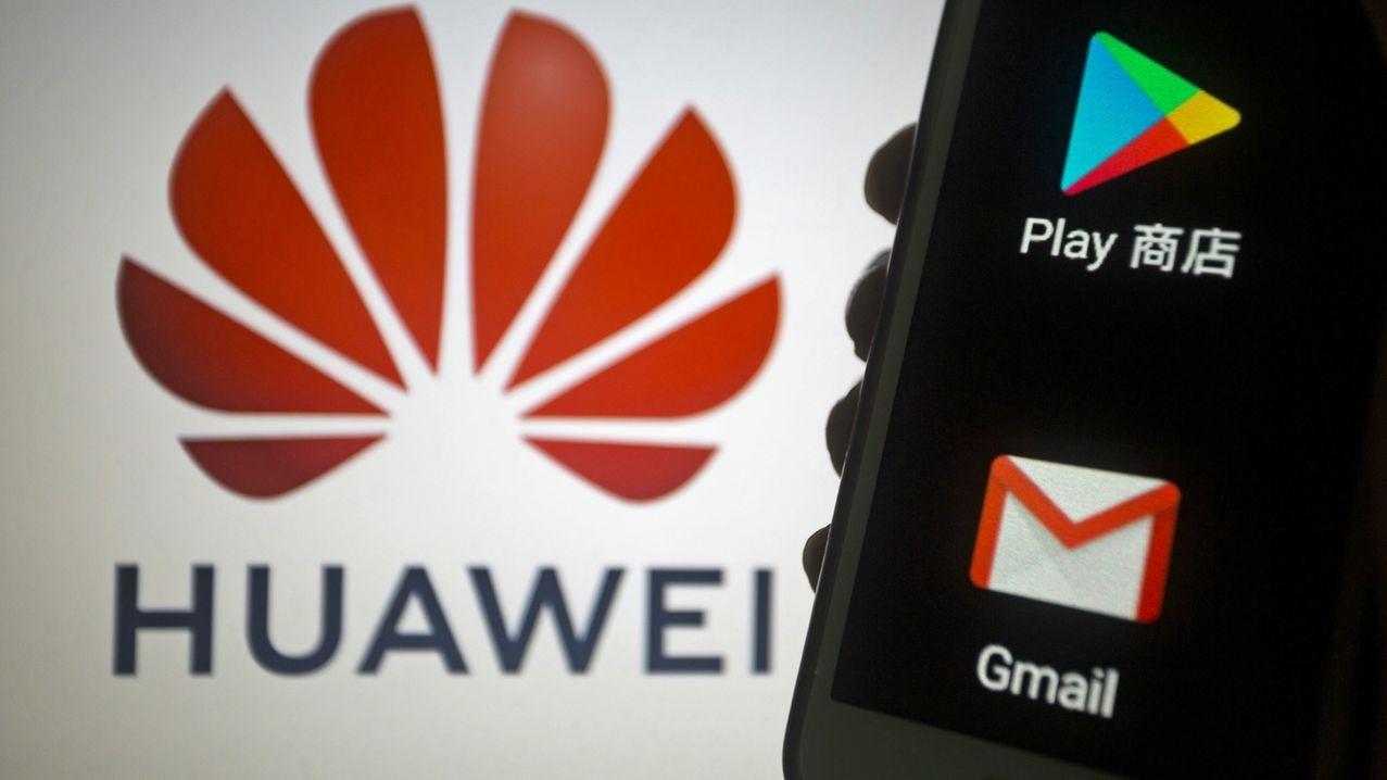Huawei-Logo, Google-Apps auf einem Smartphone