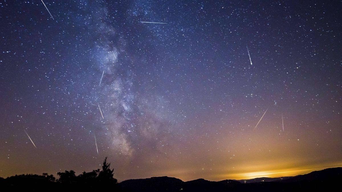 Sternschnuppen zum Höhepunkt eines Meteor-Regens