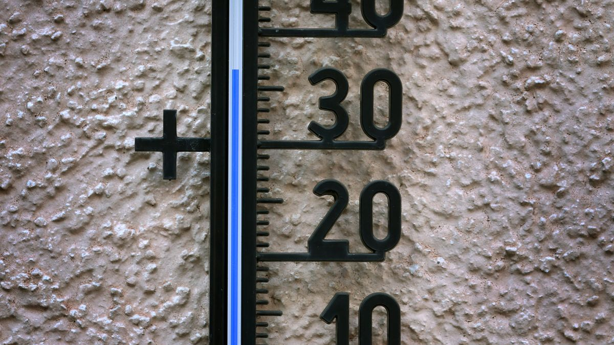 Thermometer am Hauswand
