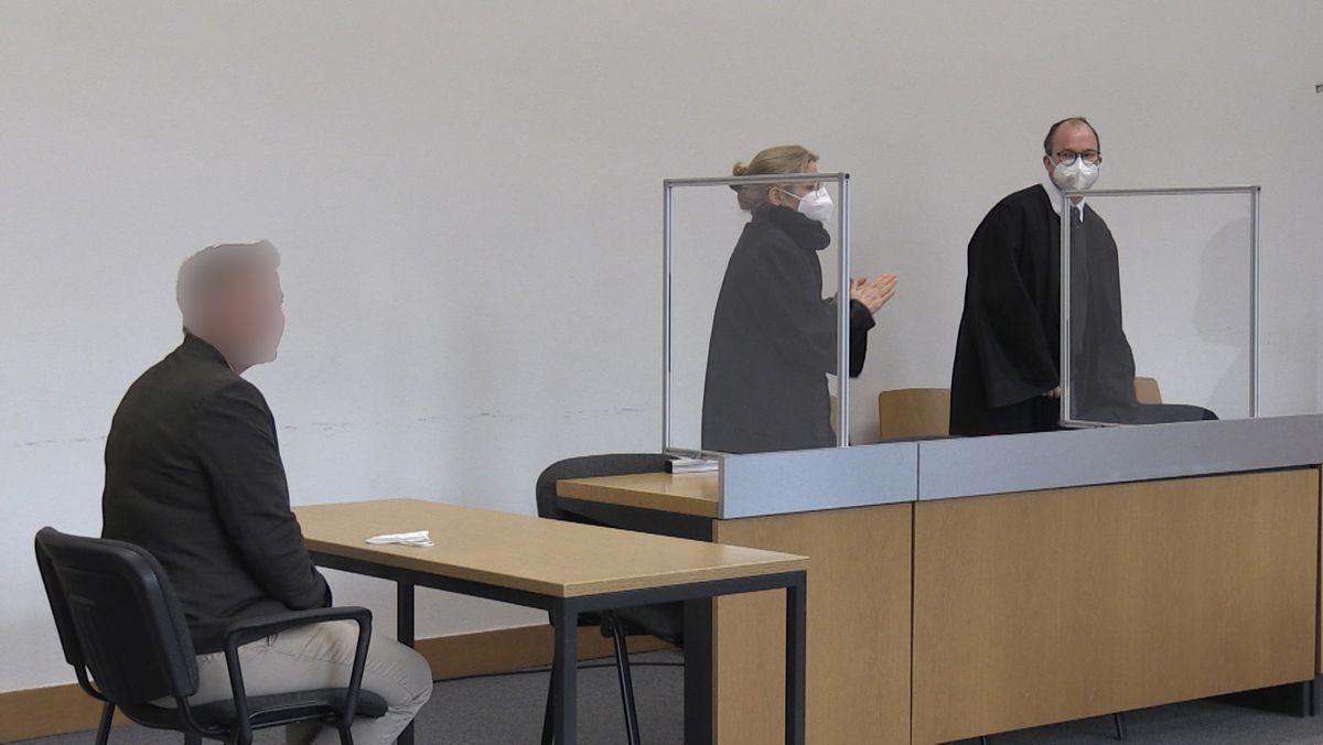Die verurteilte Angeklagte im Gericht