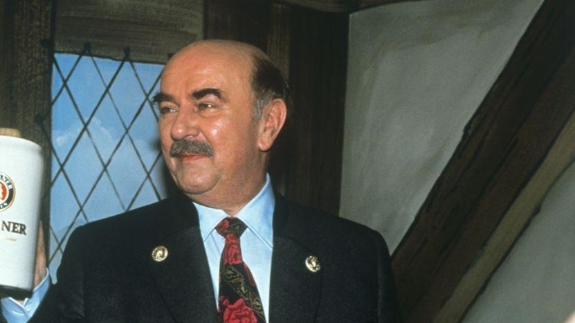 Die Texte des bürgerlich-liberalen Journalisten Hannes Burger trug der Schauspieler Walter Sedlmayr auf dem Nockherberg vor.