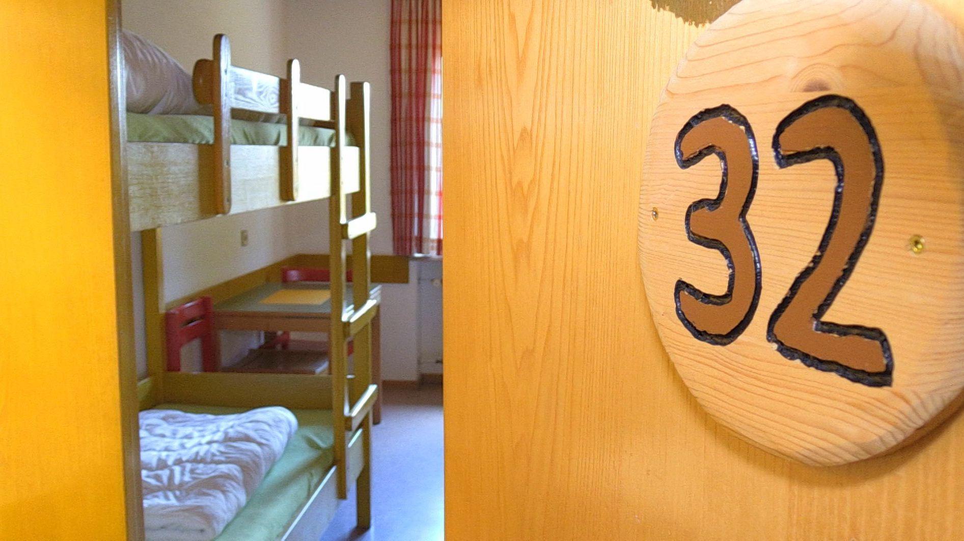 Blick in ein Zimmer der Jugendherberge in Bayerisch Eisenstein