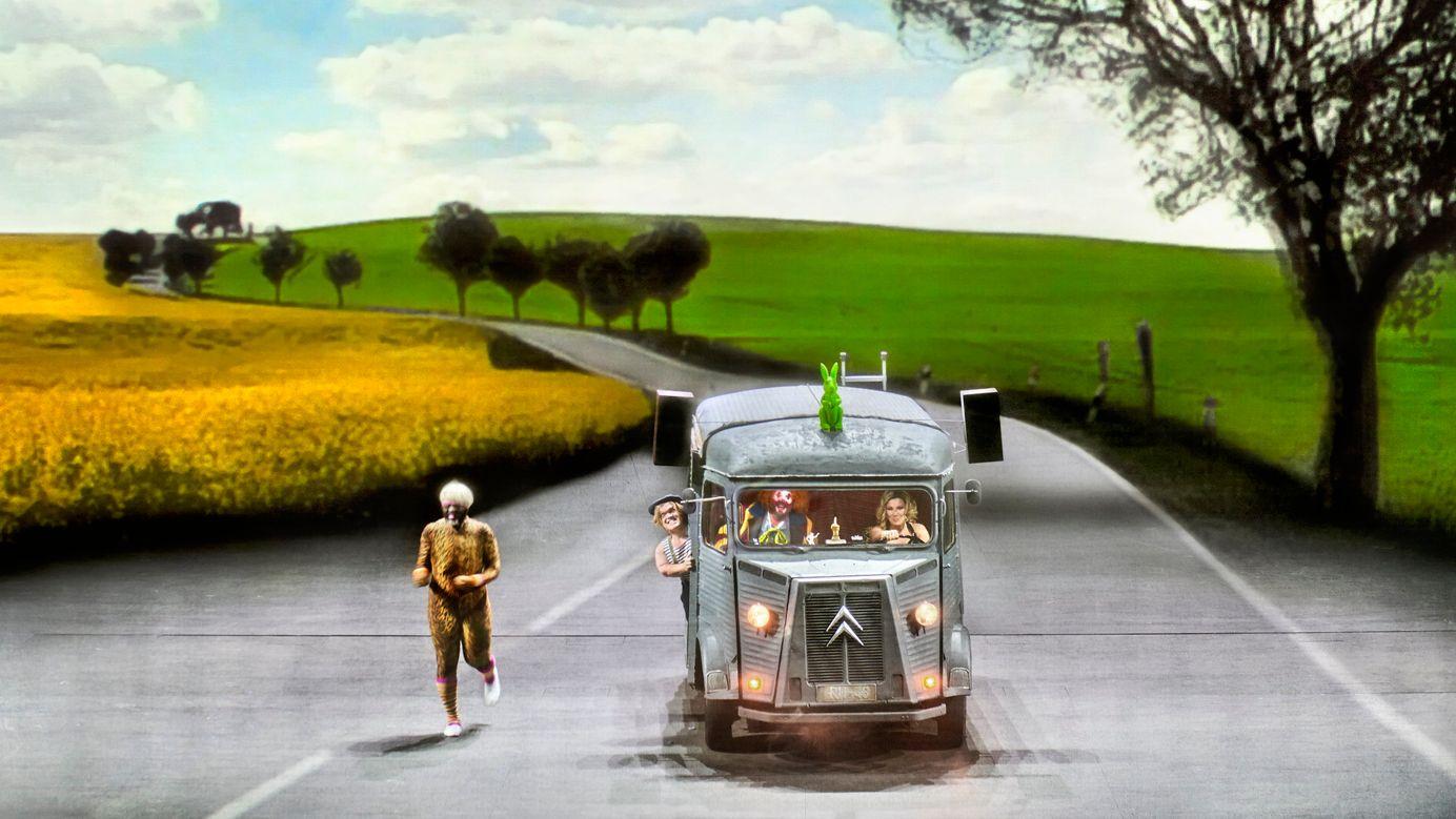 Flucht aus der kleinbürgerlichen Welt