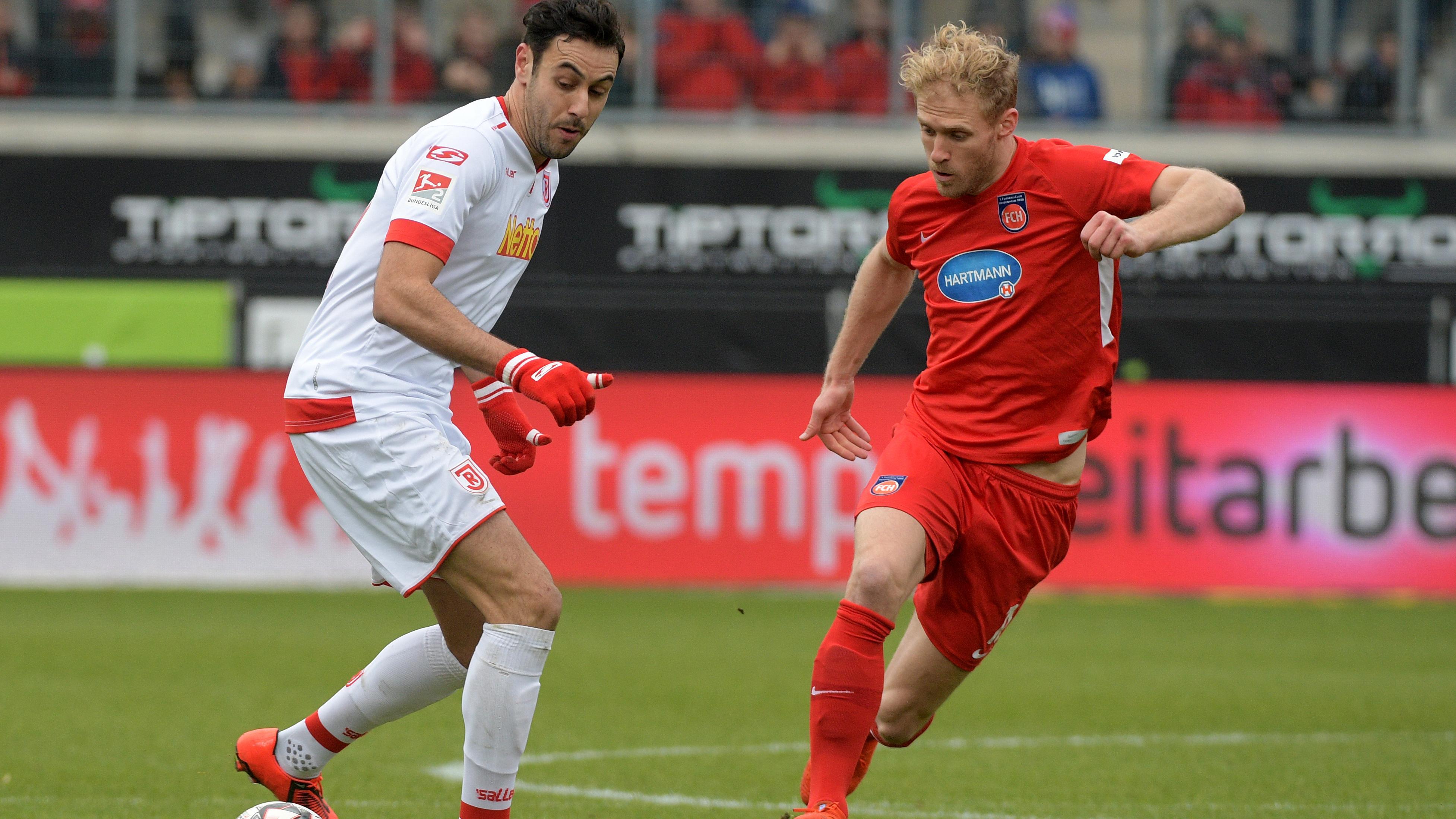Spielszene FC Heidenheim - Jahn Regensburg