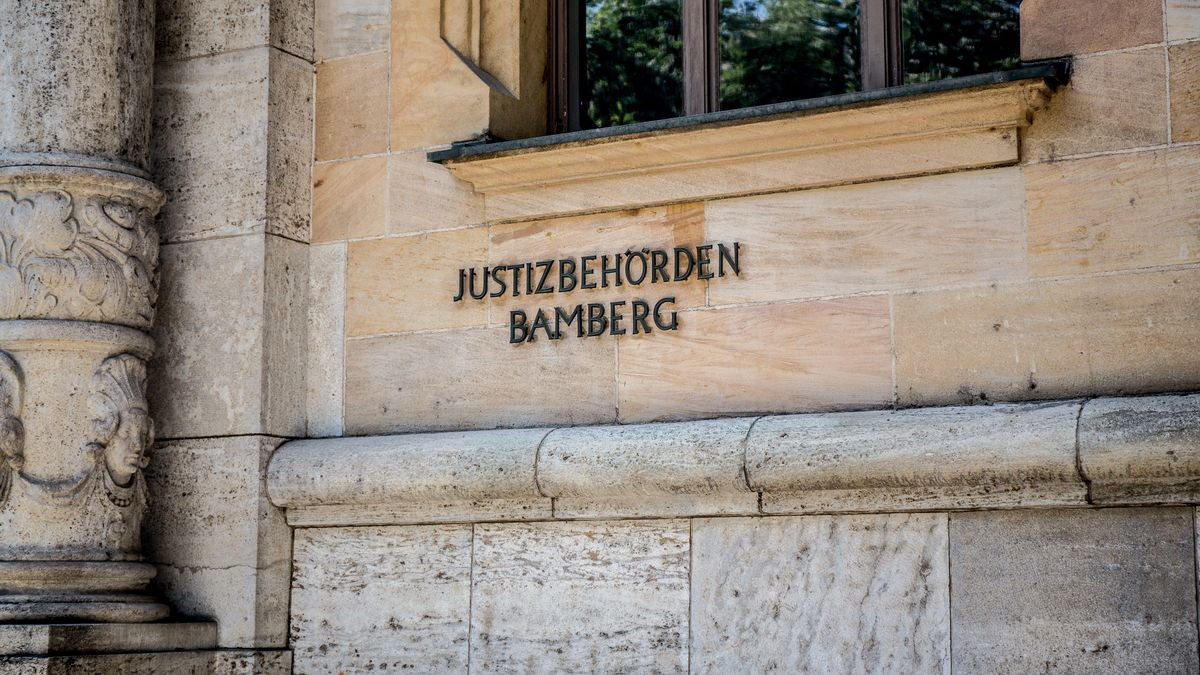 Gebäude der Justizbehörden Bamberg von außen.