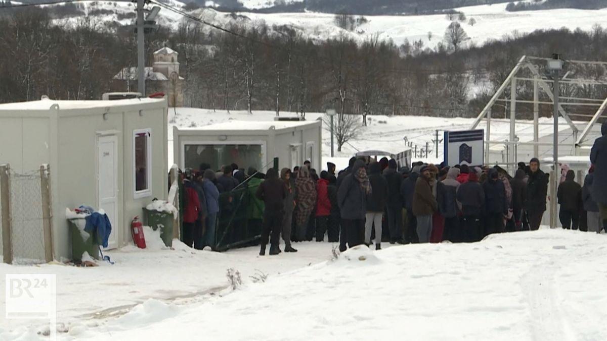 Flüchtlinge im Camp Lipa