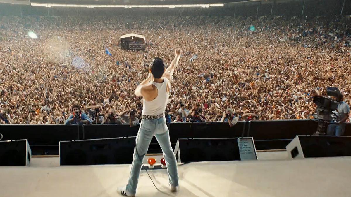 """Rami Malek als Freddie Mercury in """"Bohemian Rhapsody"""" - Filmszene"""