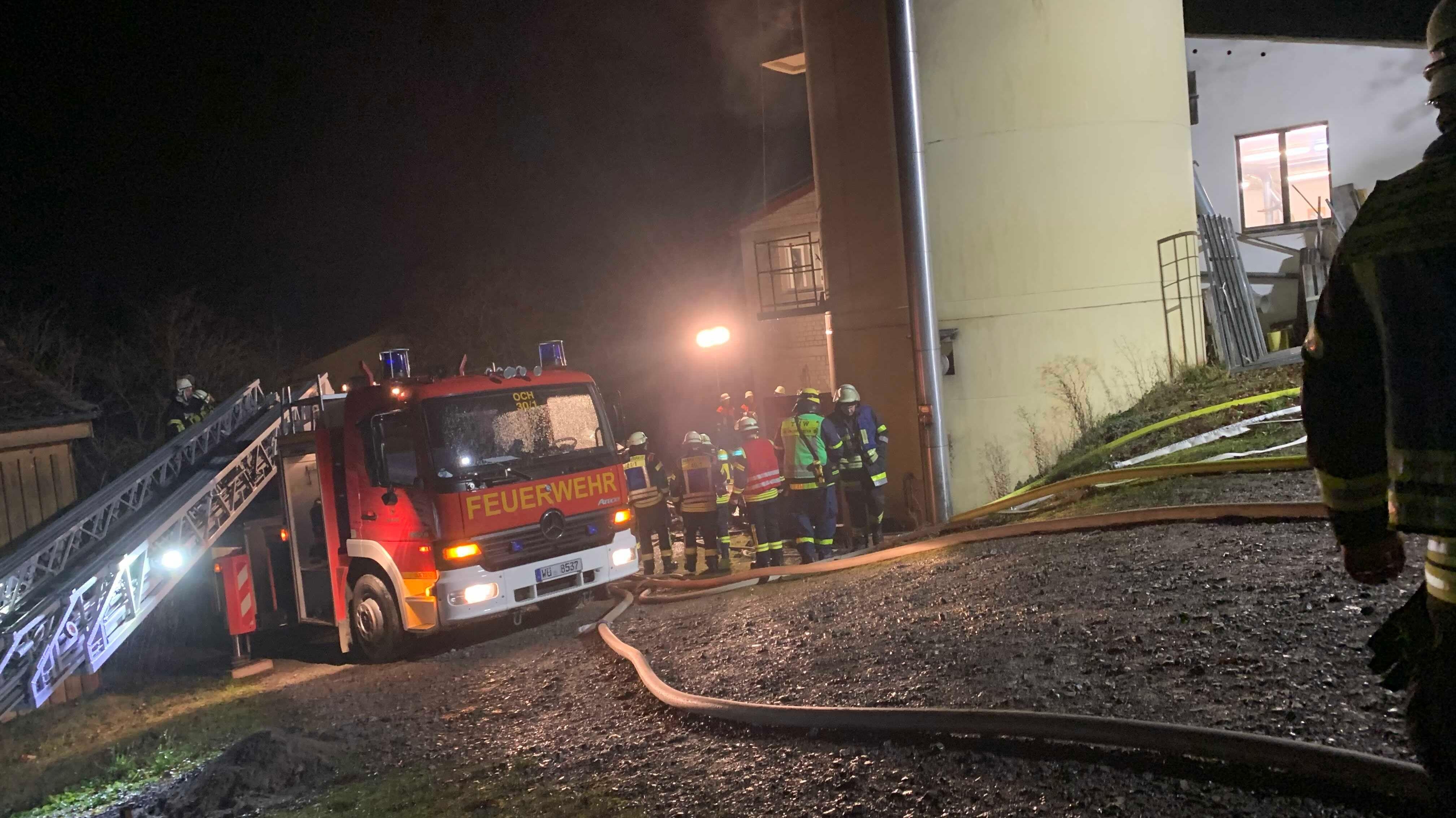 Feuer in Holzspäne-Silo ausgebrochen
