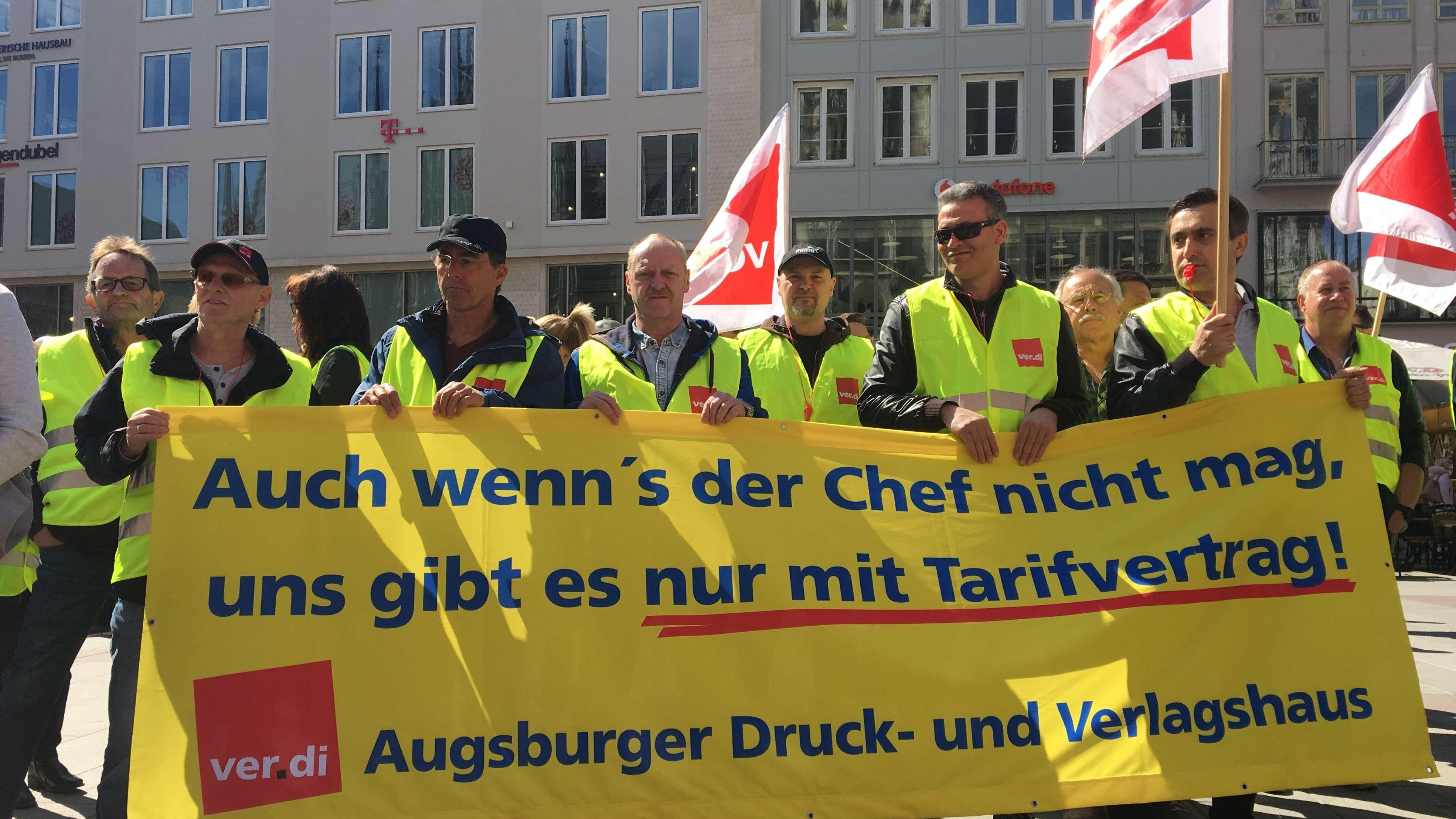Streikversammlung der Drucker auf dem Münchner Marienplatz