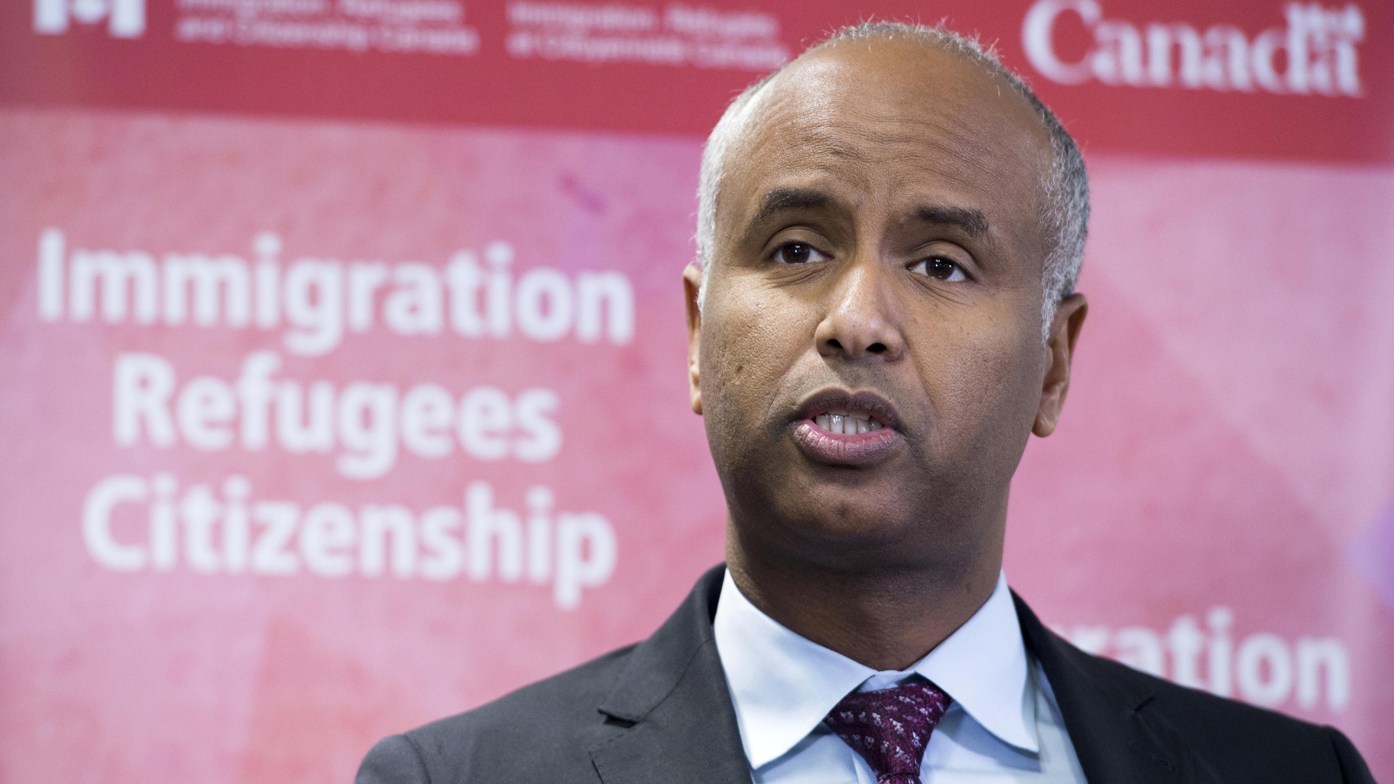 Ahmed Hussen, der kanadische Minister für Einwanderung, Flüchtlinge und Staatsbürgerschaft bei einem Pressetermin in Toronto.