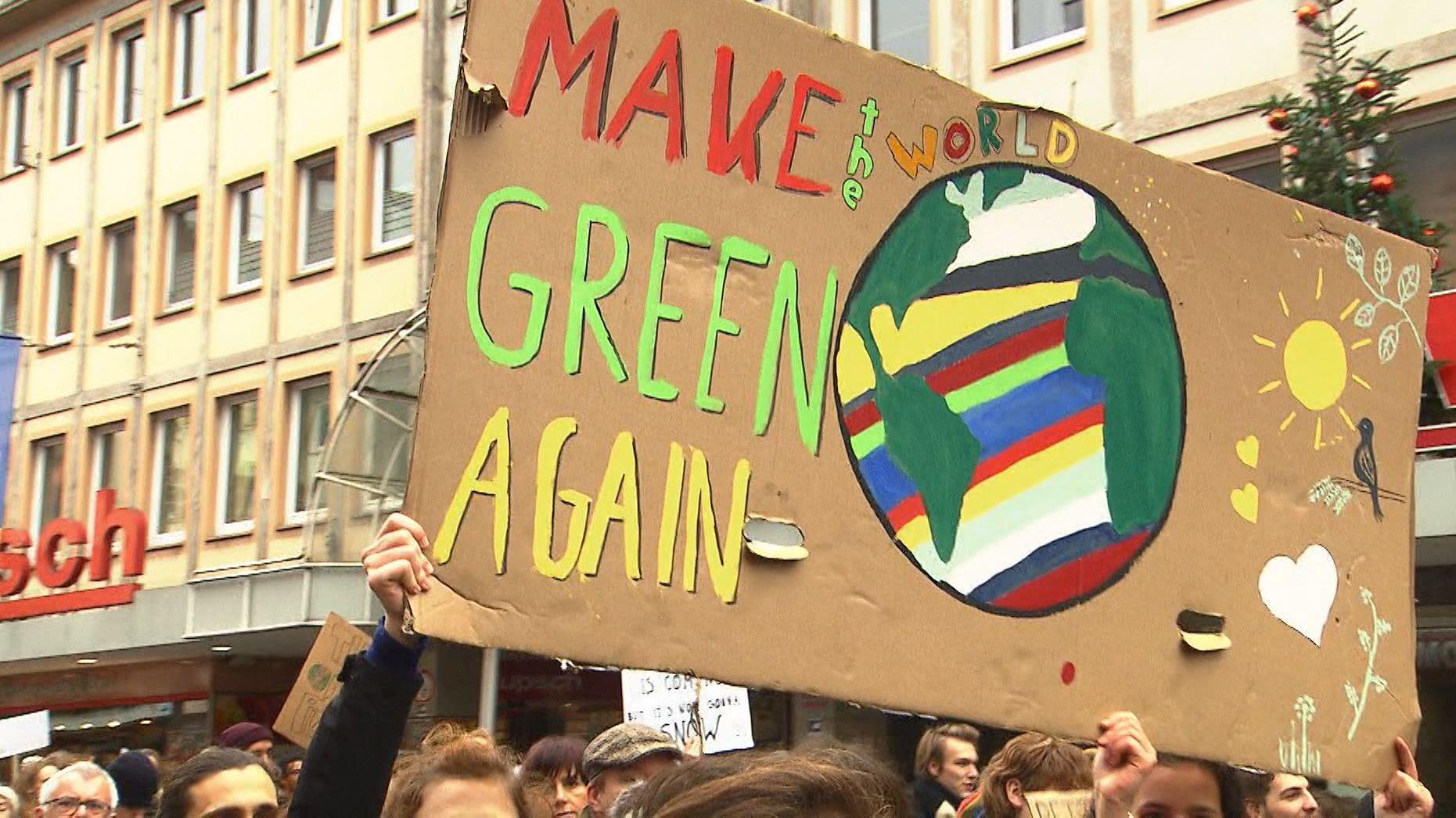 Auch im Freistaat sind auch heute wieder zehntausende Menschen für mehr Klimaschutz auf die Straße gegangen.