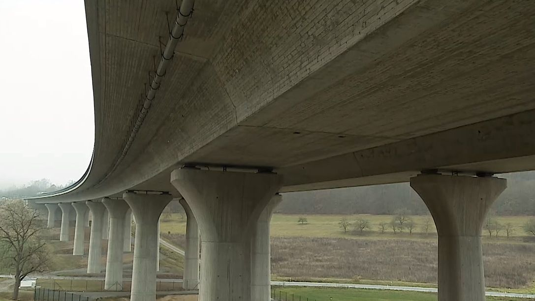 Kampf gegen Autobahnbrückenlärm