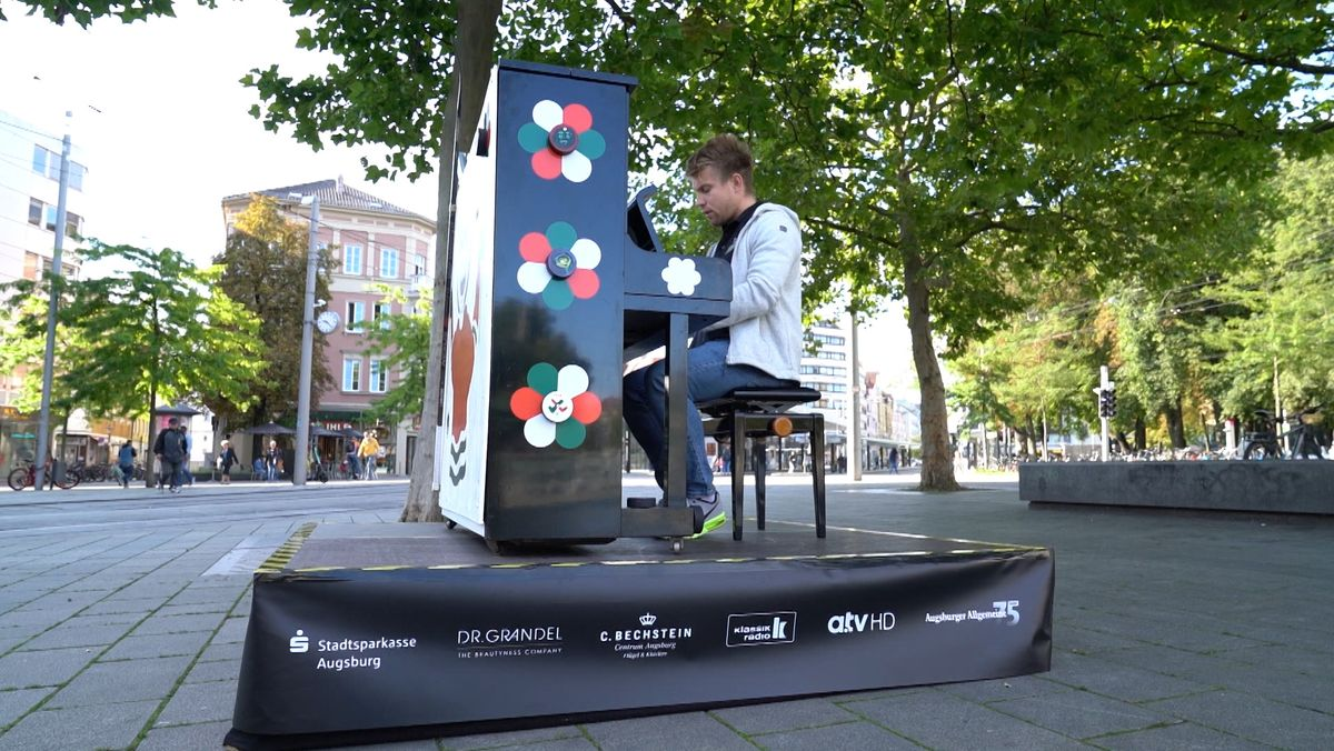 Klavier auf Augsburger Platz