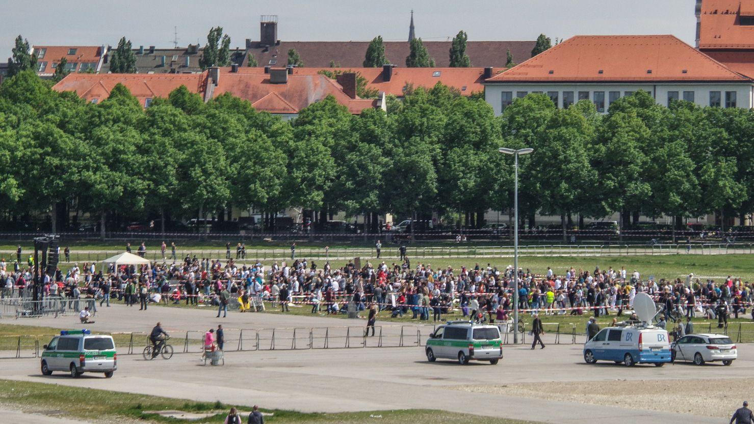 Corona-Demo auf der Theresienwiese in München