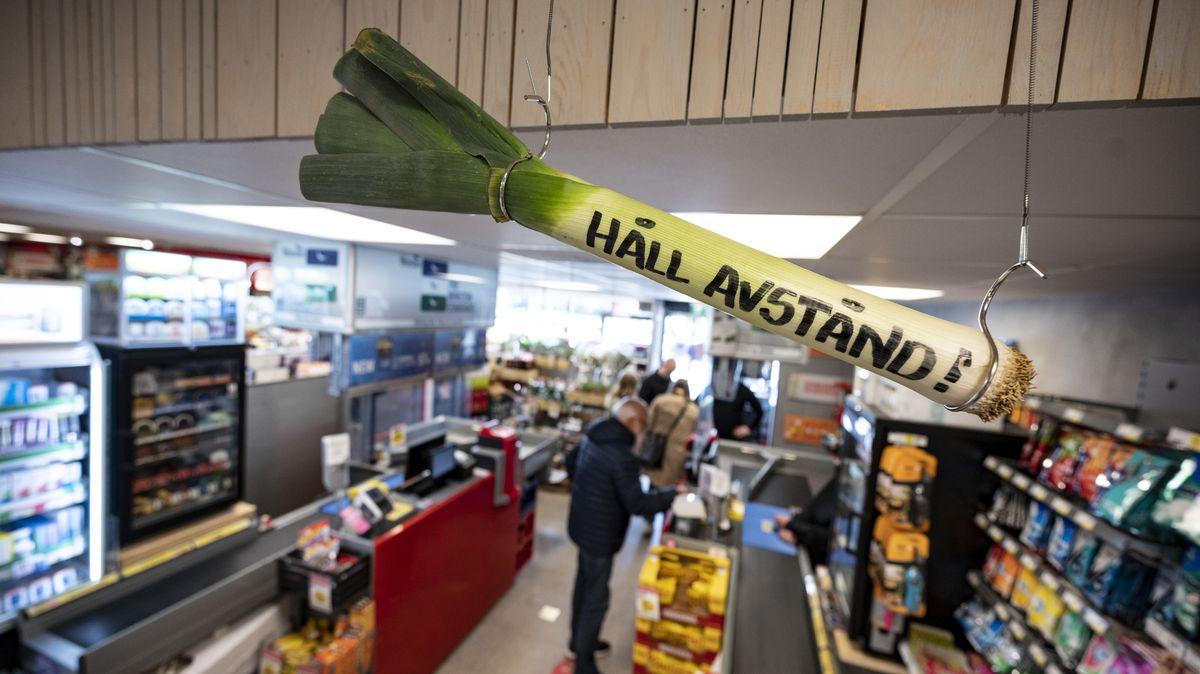 Appelle an die Bürgerdisziplin statt Verbote. So wie in diesem Supermarkt in Helsingborg in Schweden.